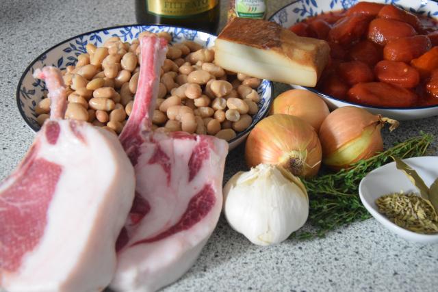 Schweinssteak mit Speckbohnen (1).png