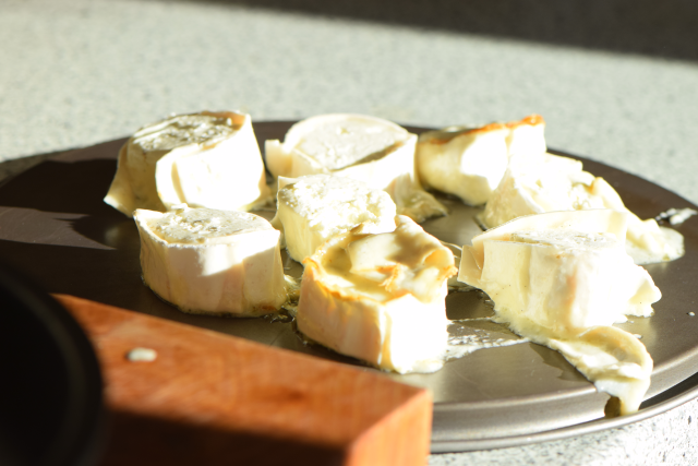 Vanille-Ziegenkäse mit eingelegten Trauben und Kürbiskernpesto (4)