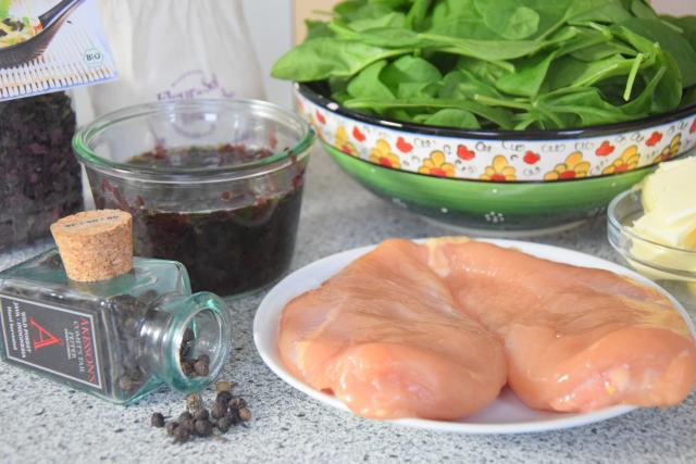 Bromhuhn auf Spinat (1)