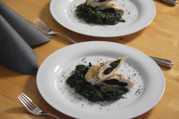 Bromhuhn auf Spinat (5)