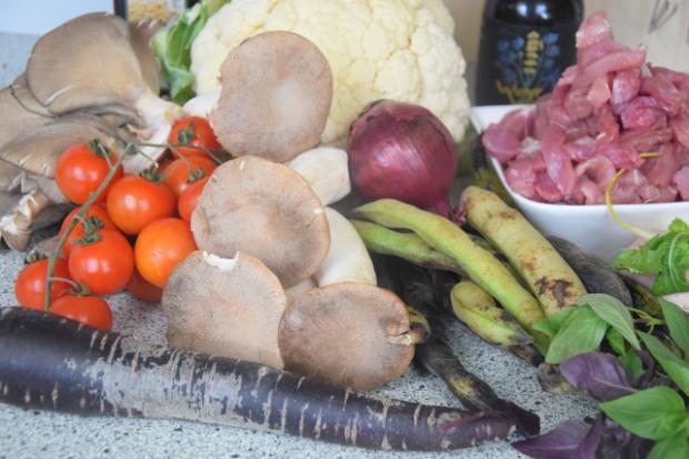 Geschnetzeltes mit Gemüse der Saison (1)