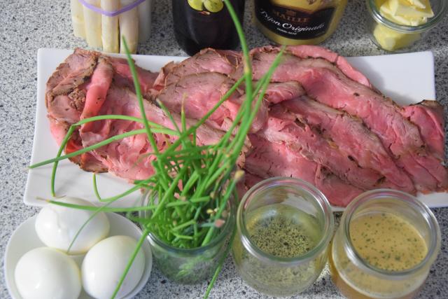 Roastbeef, Spargel, Bozner Sauce (1)