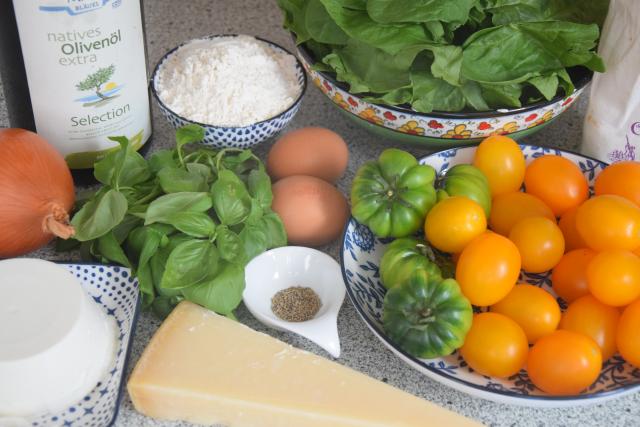 Basilikum-Gnocchi mit Spinat und Tomaten (1)