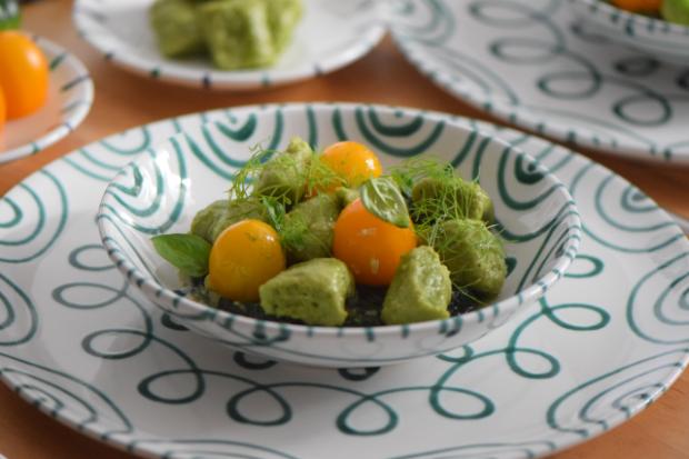 Basilikum-Gnocchi mit Spinat und Tomaten (4)