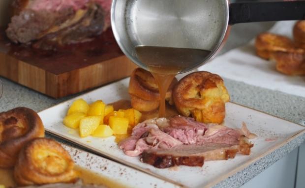 Roastbeef, Yorkshire Pudding, Potatoes (15)
