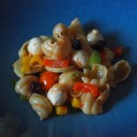 Nudelsalat mit Chili-Pesto