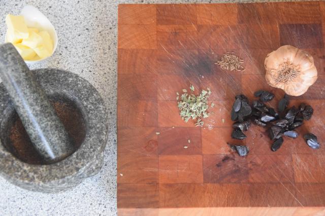 Gebratene Kohlsprossen mit Kürbiskernen und Knoblauch (2)
