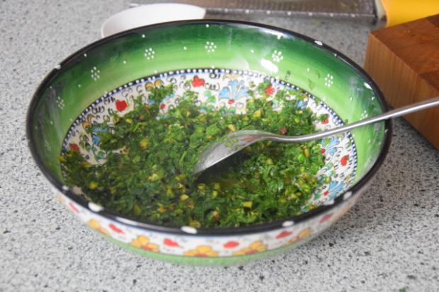 Makrele mit Ingwercreme und Pistazien-Kardamomsalsa (2)