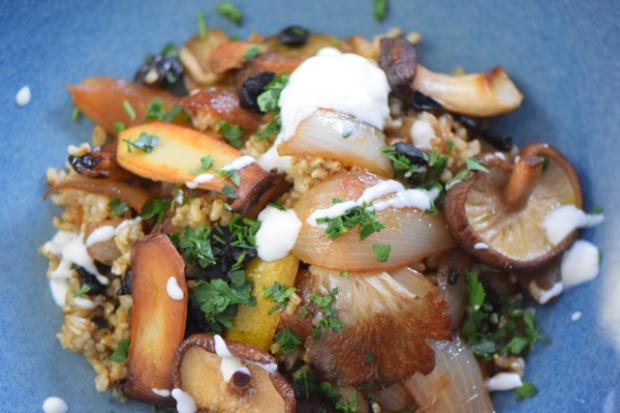 Reis-Pilz-Pfanne mit schwarzem Knoblauch (5)