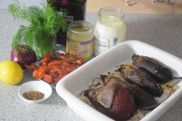 Geräucherter Lachszopf mit Rübensalat (1).png