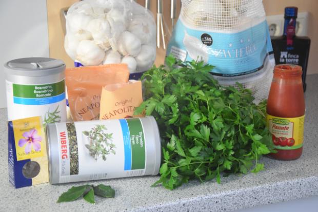 Suppe mit Maisnudeln mit Miesmuscheln (1)