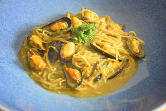 Suppe mit Maisnudeln mit Miesmuscheln (4)