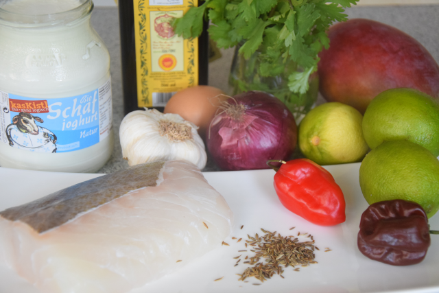 Tacos mit Fischfrikadellen mit Mangos und Joghurt (1).png