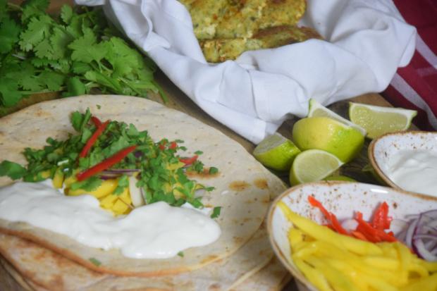 Tacos mit Fischfrikadellen mit Mangos und Joghurt (5)
