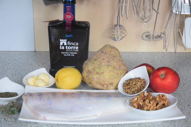 Zanderfilet mit Nüssen, Sellerie und Apfel (1)