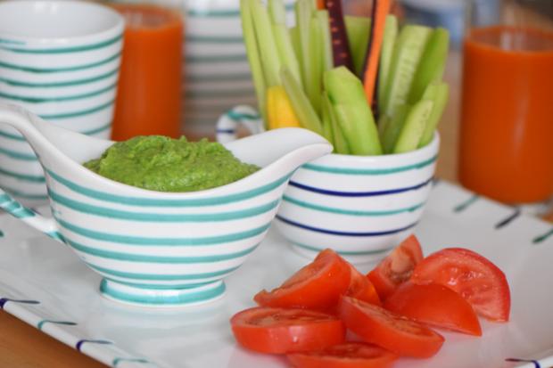 Bohnenspinatpüree mit Gemüsesticks (3)