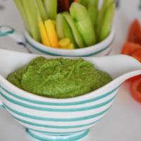 Bohnenspinatpüree mit Gemüsesticks