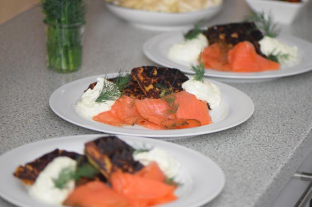 Kartoffelwaffeln mit geräuchertem Lachs (3)