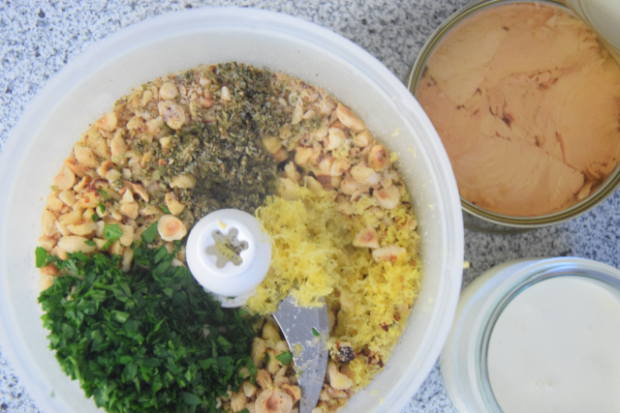 Thunfisch-Haselnuss-Sauce mit Erbsen-Fettucine (2)