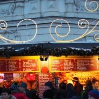 Besuch beim Christkindlmarkt am Belvedere