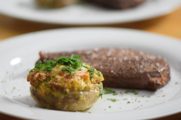 Gefüllte Champignons mit Steak (4)