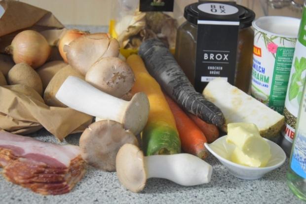 erdäpfelsuppe mit kräuterseitling (1)