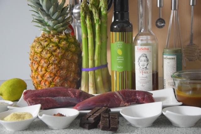 hirschfilet mit spargel und ananas (1)