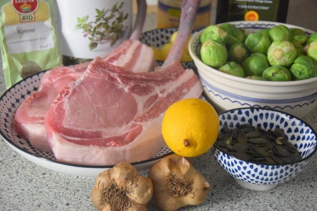 Schwein mit Kohlsprossen (1).jpg
