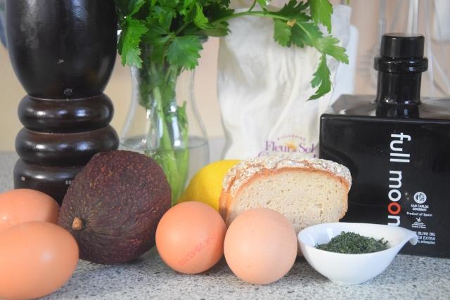 Avocado-Frühstücksei (1)