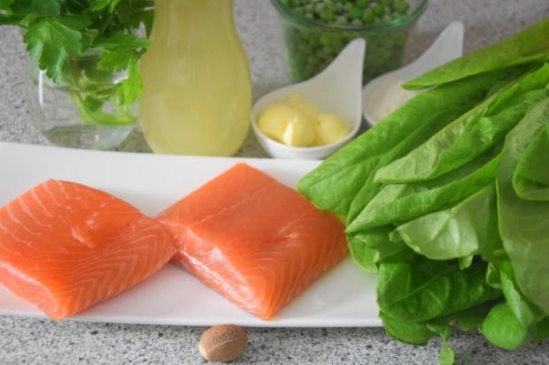Kochsalat mit Erbsen und Lachs (1)