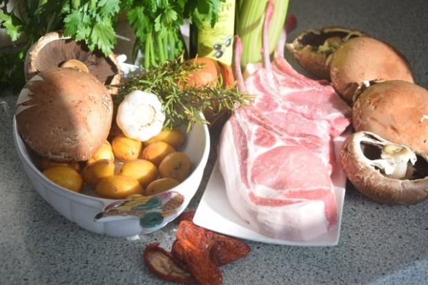 Schweins-Kotelett mit gefüllten Portobellos (1).jpg