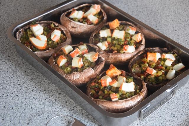 Schweins-Kotelett mit gefüllten Portobellos (2)
