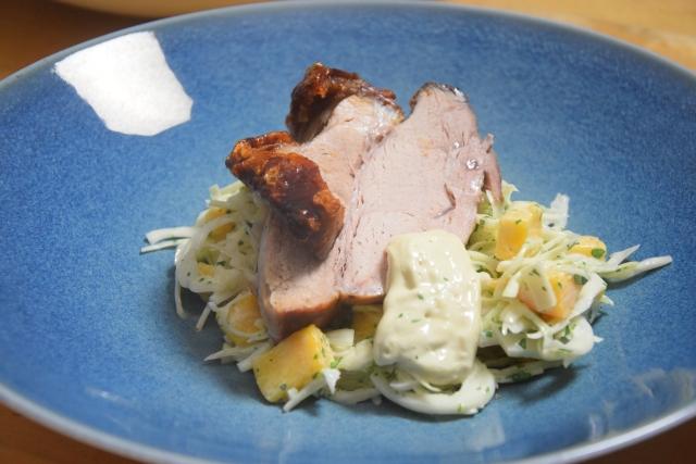 Schweinsbraten mit Mango-Krautsalat (3)