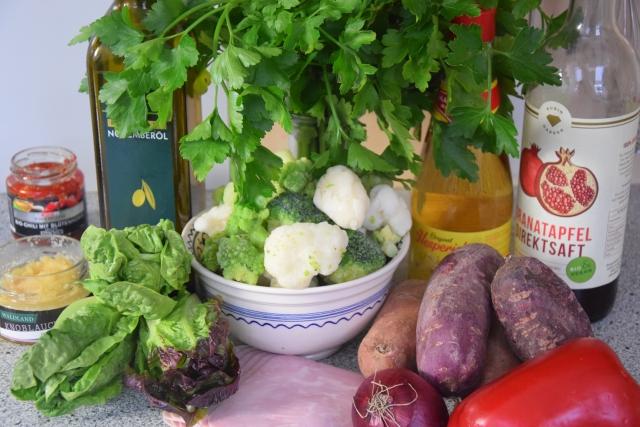 Gefüllte Süßkartoffeln mit Salatherzen (1)