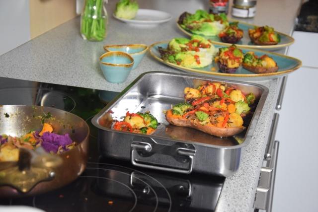 Gefüllte Süßkartoffeln mit Salatherzen (2)