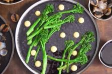 Seezunge, Ponzu, Brokkoli, Reis, Knoblauch-Mayonnaise, grüner Eistee (6)