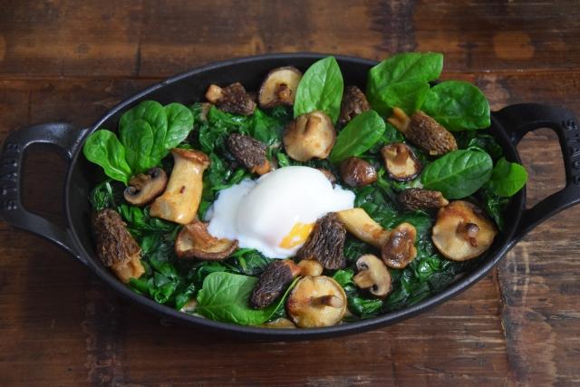 Eier mit Spinat und Pilzen (6)