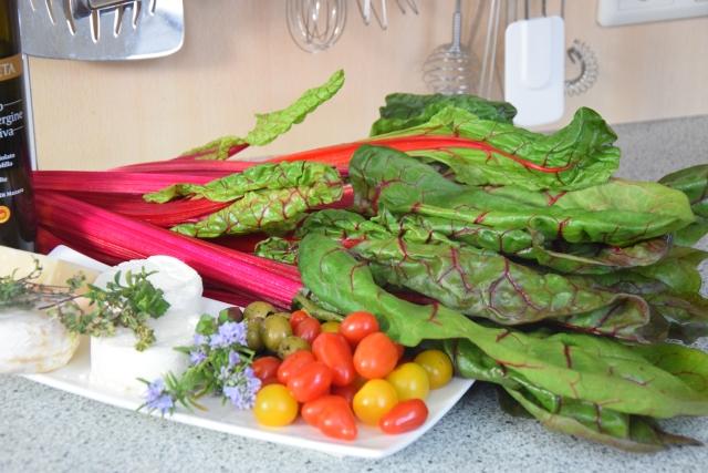 Mangoldsalat mit Ziegencamembert-Ecken (1).jpg