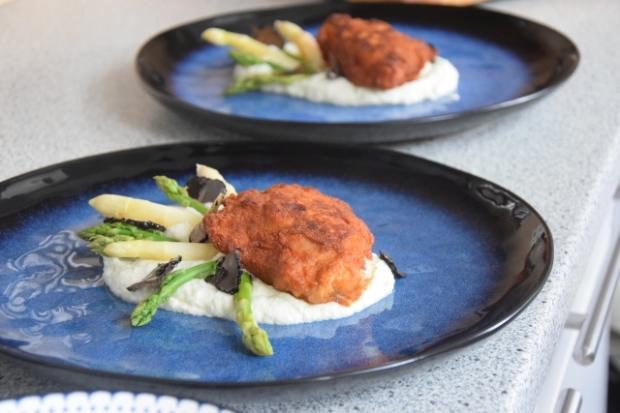 Hühnerschnitzel mit Spargel und Karfiolpüree (4)