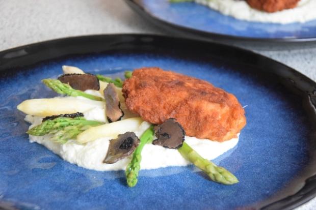 Hühnerschnitzel mit Spargel und Karfiolpüree (5)