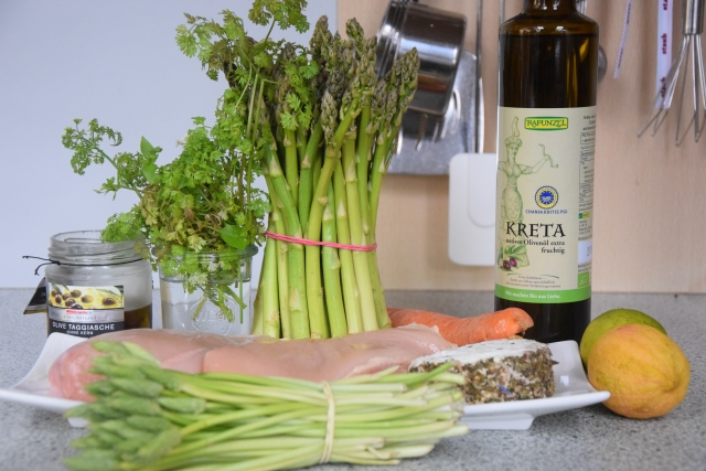 Huhn, Spargel, Karotten, Kerbel-Dip (1)