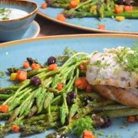 Huhn, Spargel, Karotten, Kerbel-Dip
