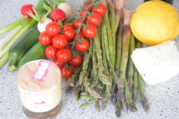 Wilder, gegrillter Spargel-Salat (1)