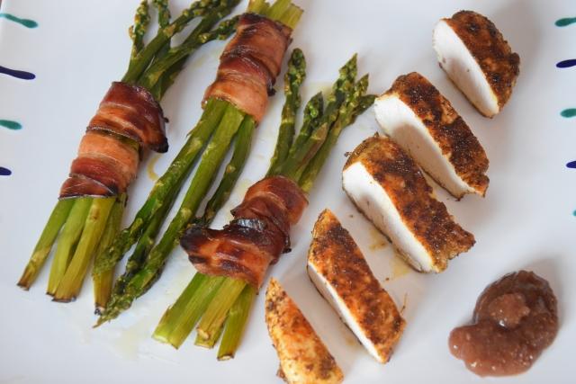 Knusper-Spargel mit Hühnerbrust und Feigenchutney (3)