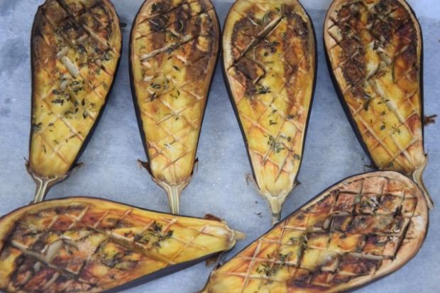 Melanzani-Kräuter-Suppe mit Taggiasche-Oliven (3)