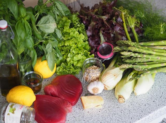 Thunfisch mit Pesto, Fenchel-Spargel-Salat (1).jpg