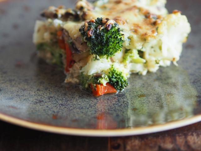Champignon-Erbsen-Gemüseauflauf
