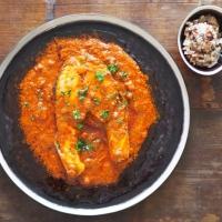 Lachssteaks mit einer Chraimeh-Sauce auf die Ungarische Art