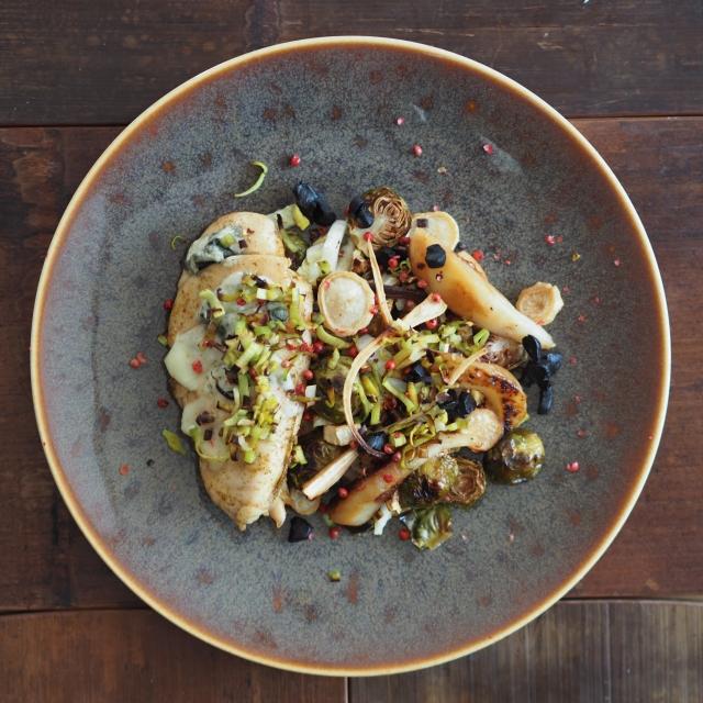 Hühnerbrust mit Lauch und Kohlsprossen-Salat
