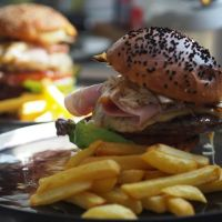 Burger SSK Bijzonder/ Mandel-Honig-Zitronenkuchen